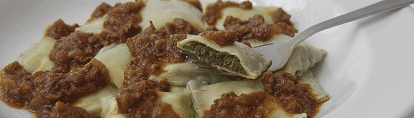 ravioles con salsa bolonesa